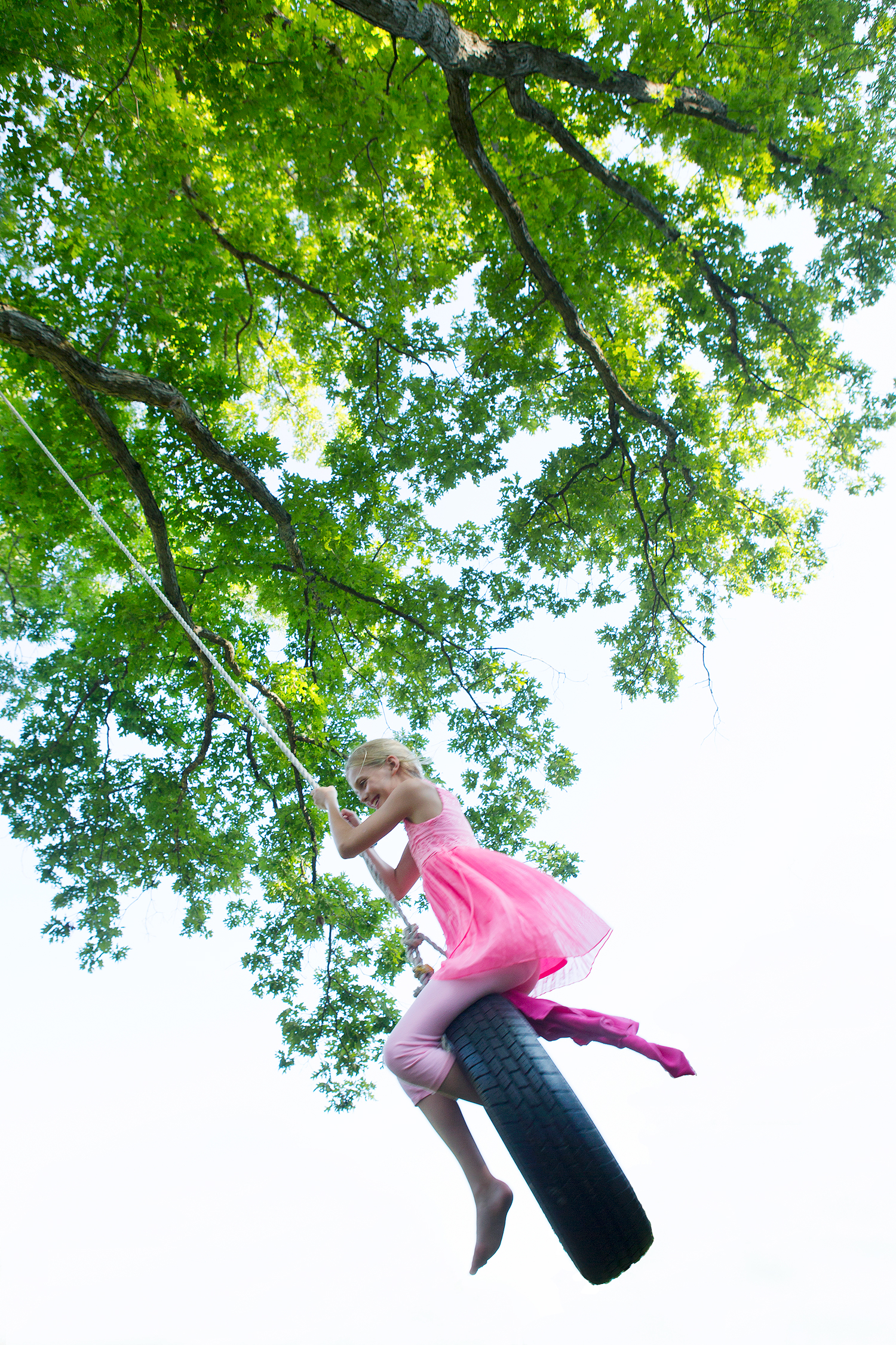 PHOTOGRAPHER | KIDS | CHILDHOOD | PLAY | TIRE SWING | FamilyFun Magazine | Fun | 34