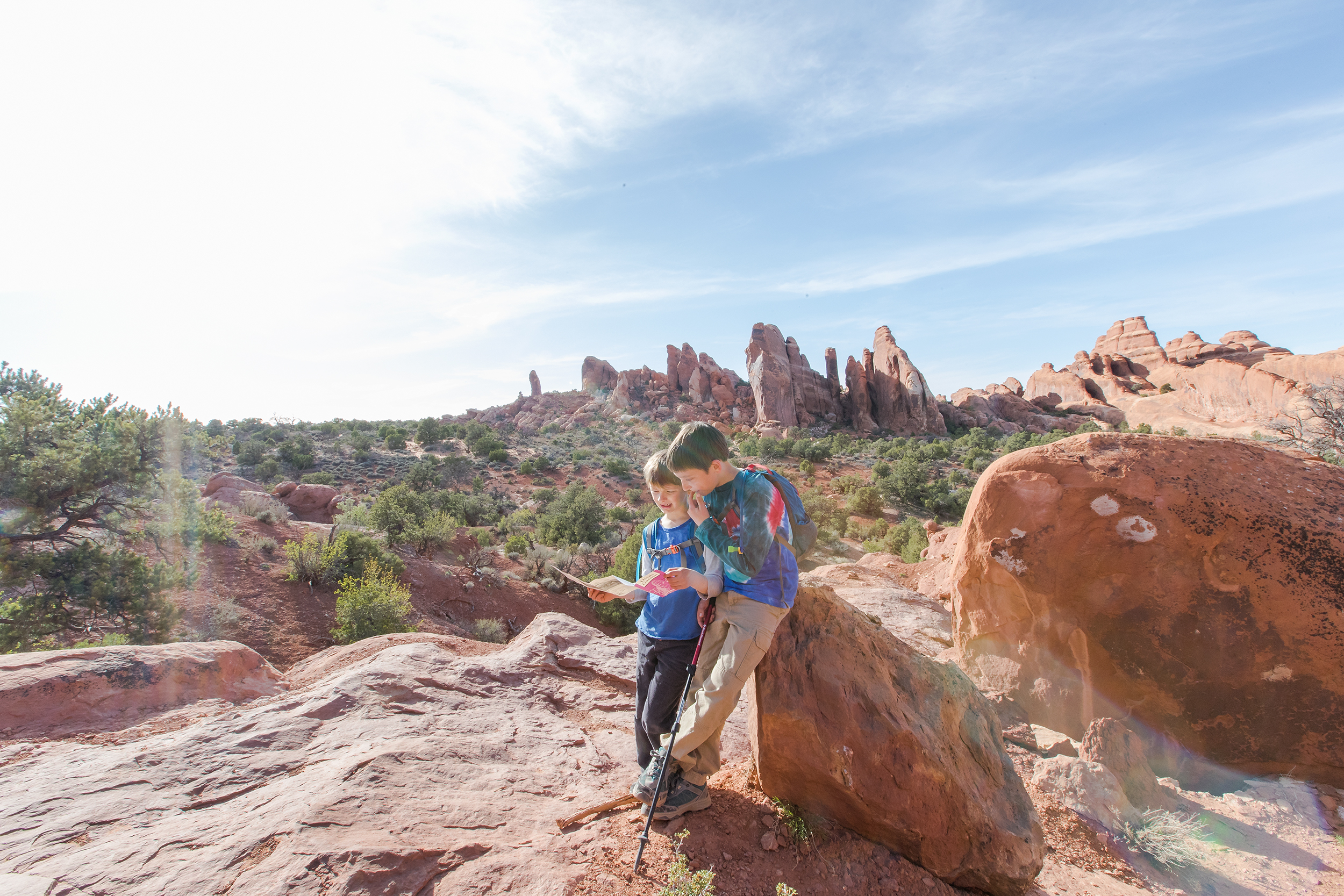 NATLPARKING_adventure_family_hike_utah_arches_boyhood_devilsgarden_1146_WB