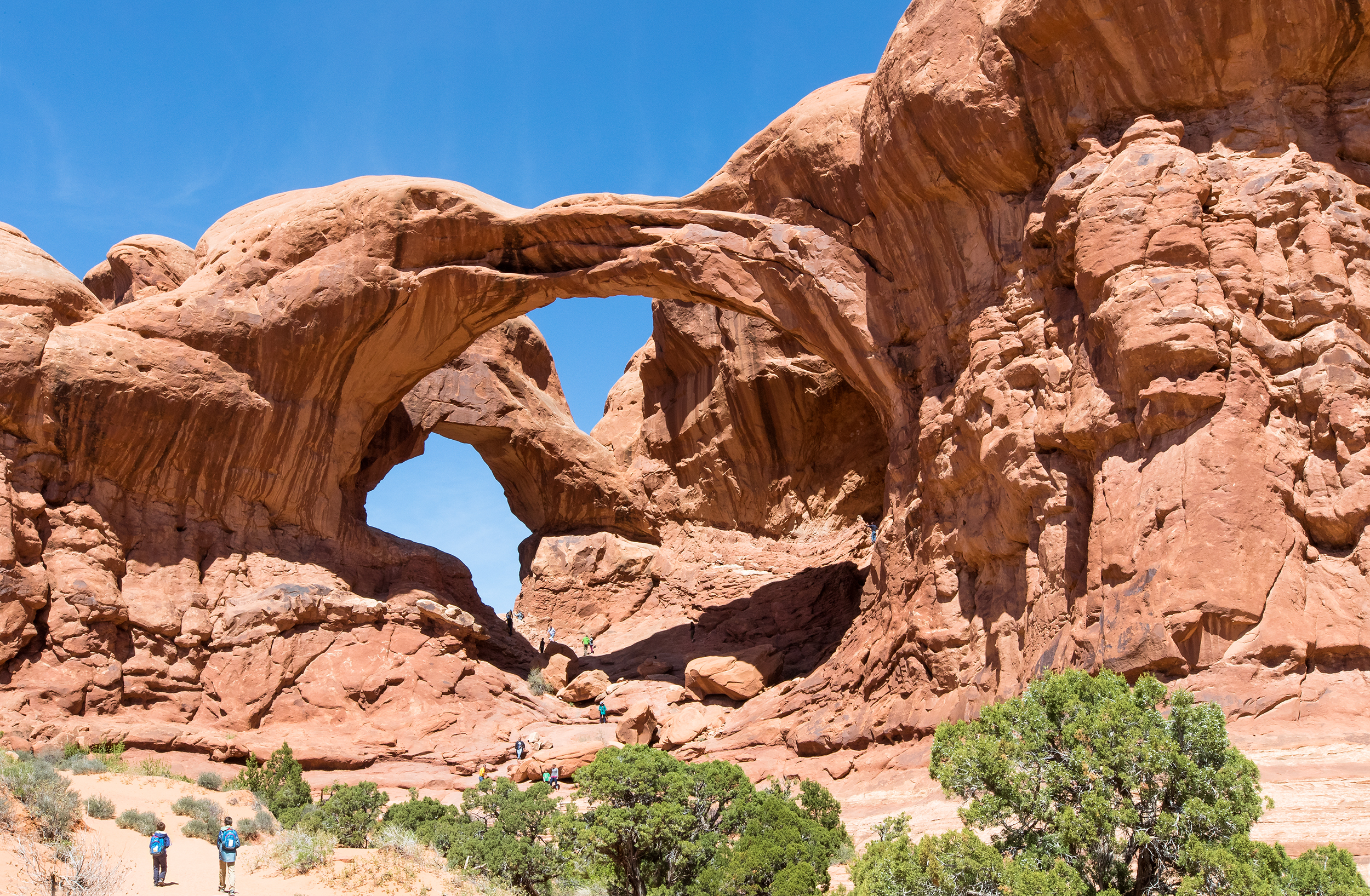 NATLPARKING_travel_rv_adventure_archesnationalpark_2321_WB