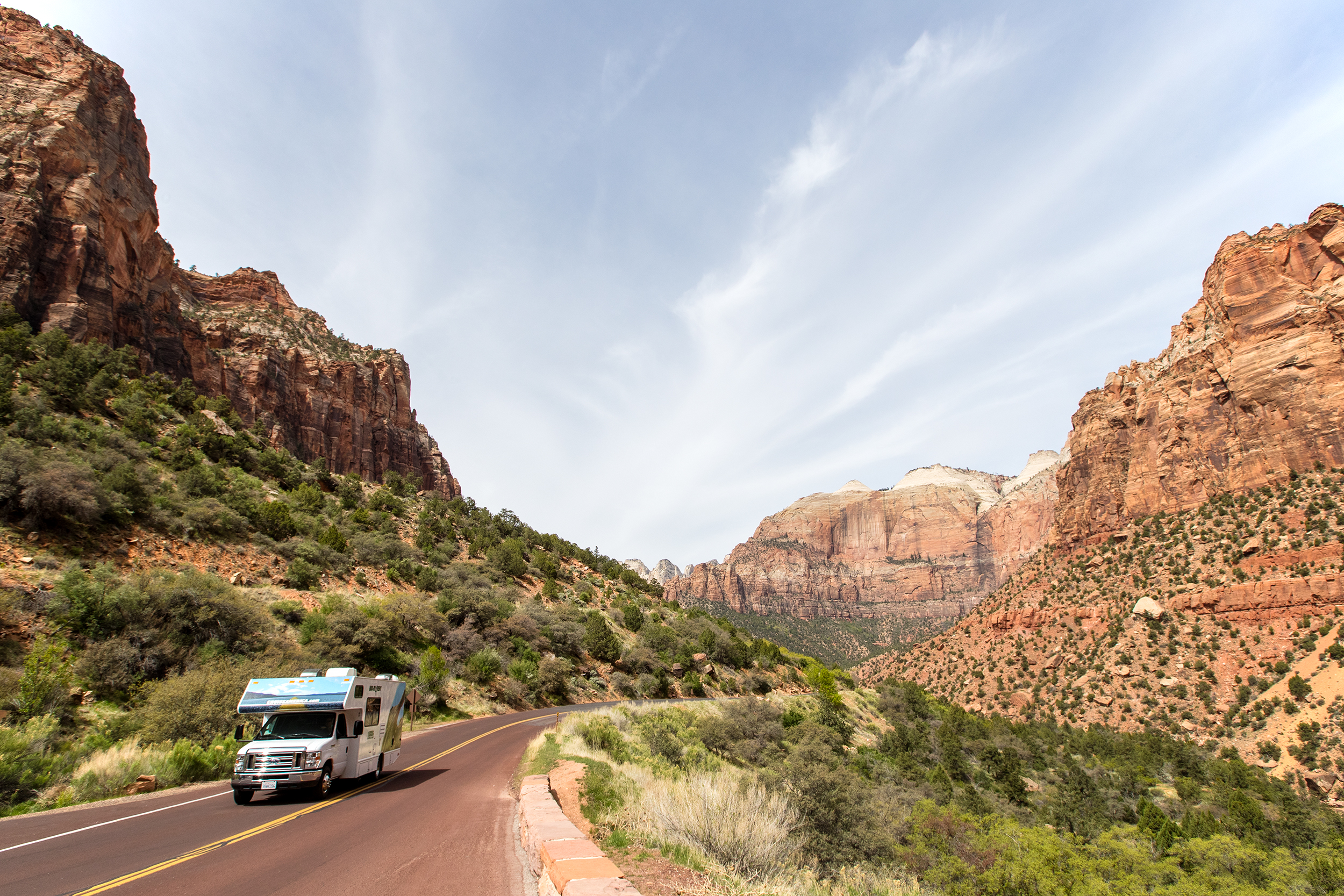NATLPARKING_travel_rv_adventure_gorving_zionnationalpark_1160_WB