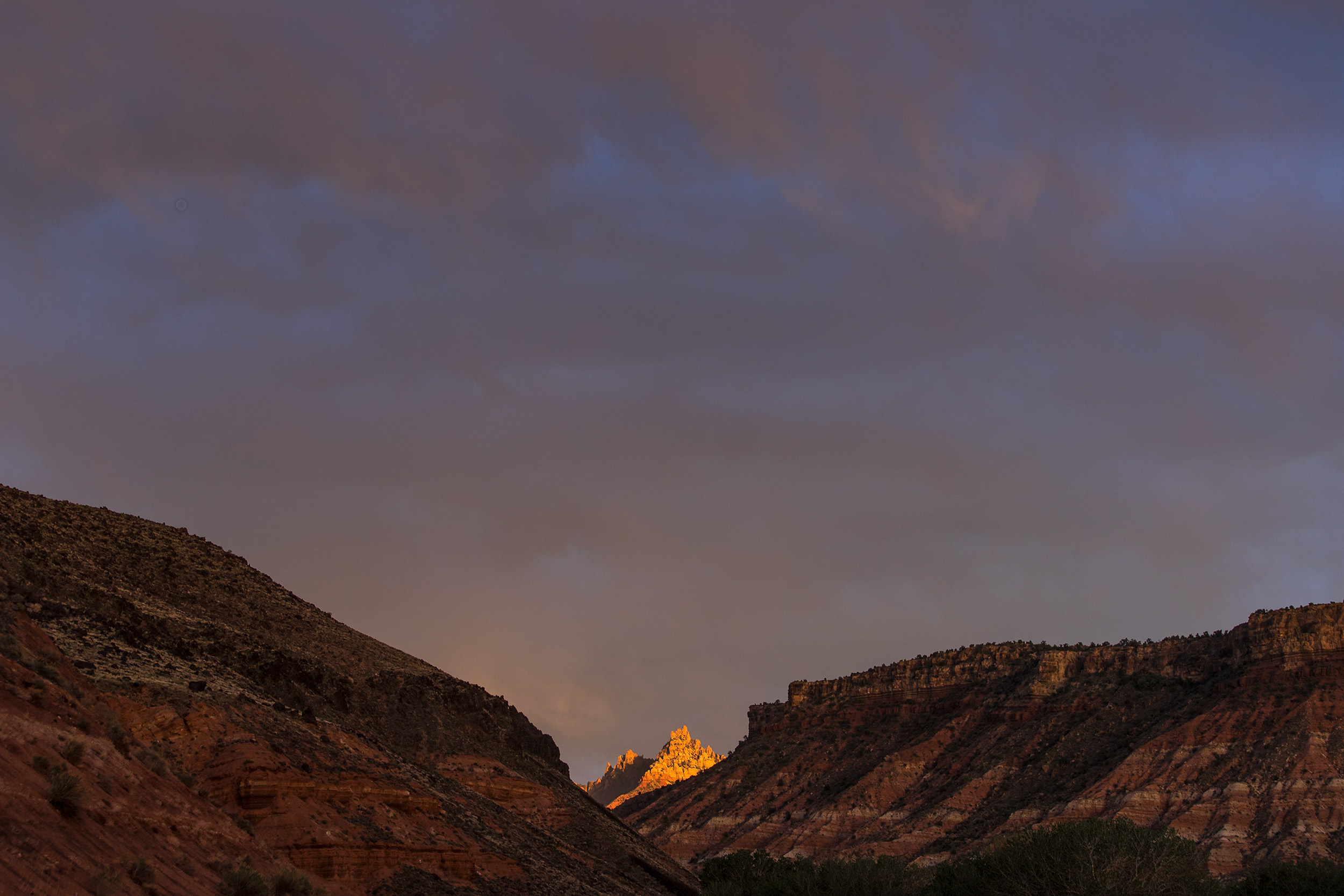 NATLPARKING_travel_rv_adventure_sunset_zionnationalpark_1241_WB