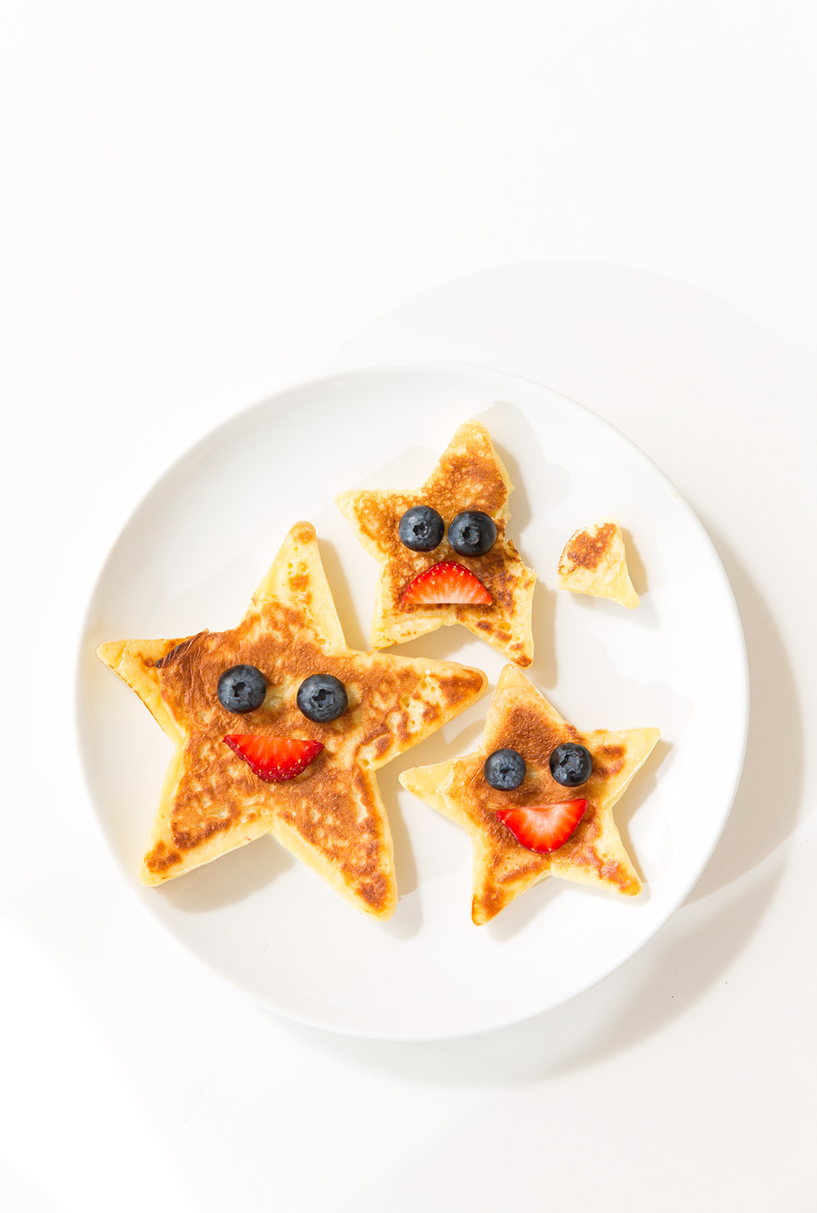 "PHOTOGRAPHER | KIDS | PANCAKES | Storey Publishing ""Say Cheese!"" Cookbook for Kids 