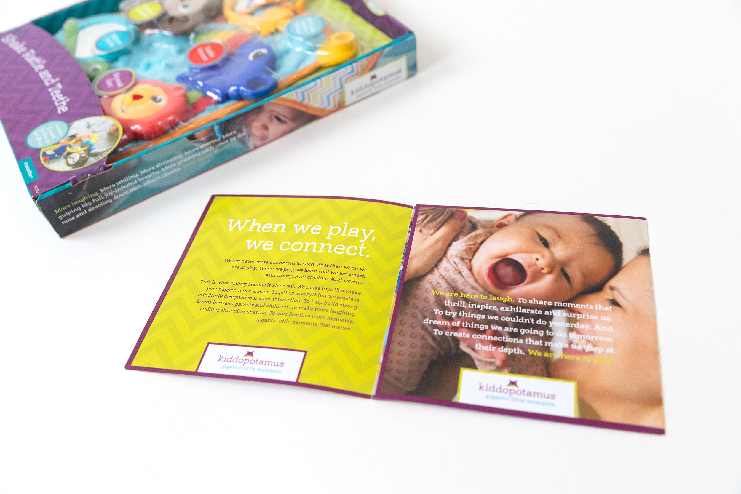 PHOTOGRAPHER | SUMMER INFANT | PLAY | Family | Love | Toy Packaging | Brochure