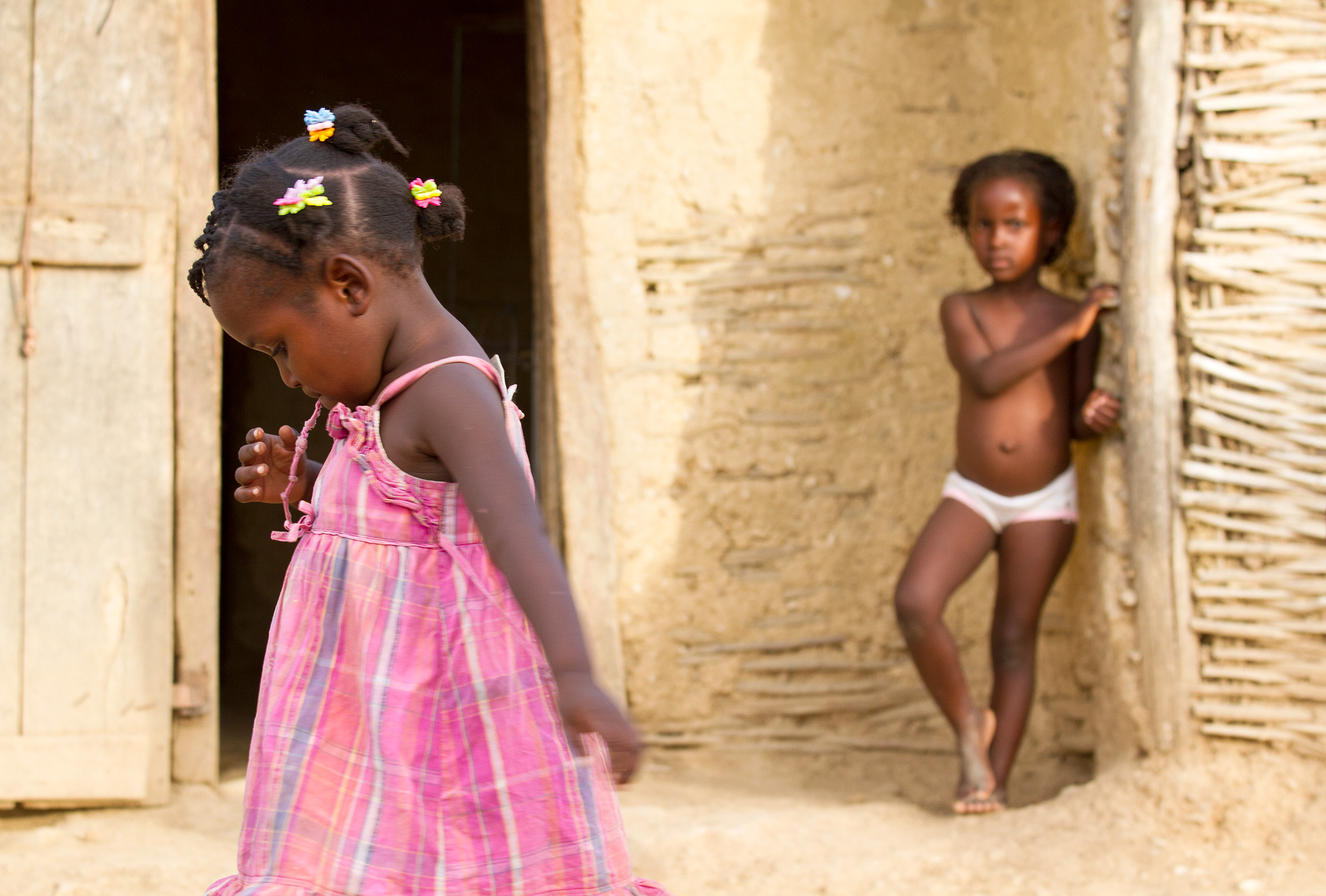 TRAVEL_HAITI_notforprofit_ngo_caribbean_pinkdress_girl_4159_WB2