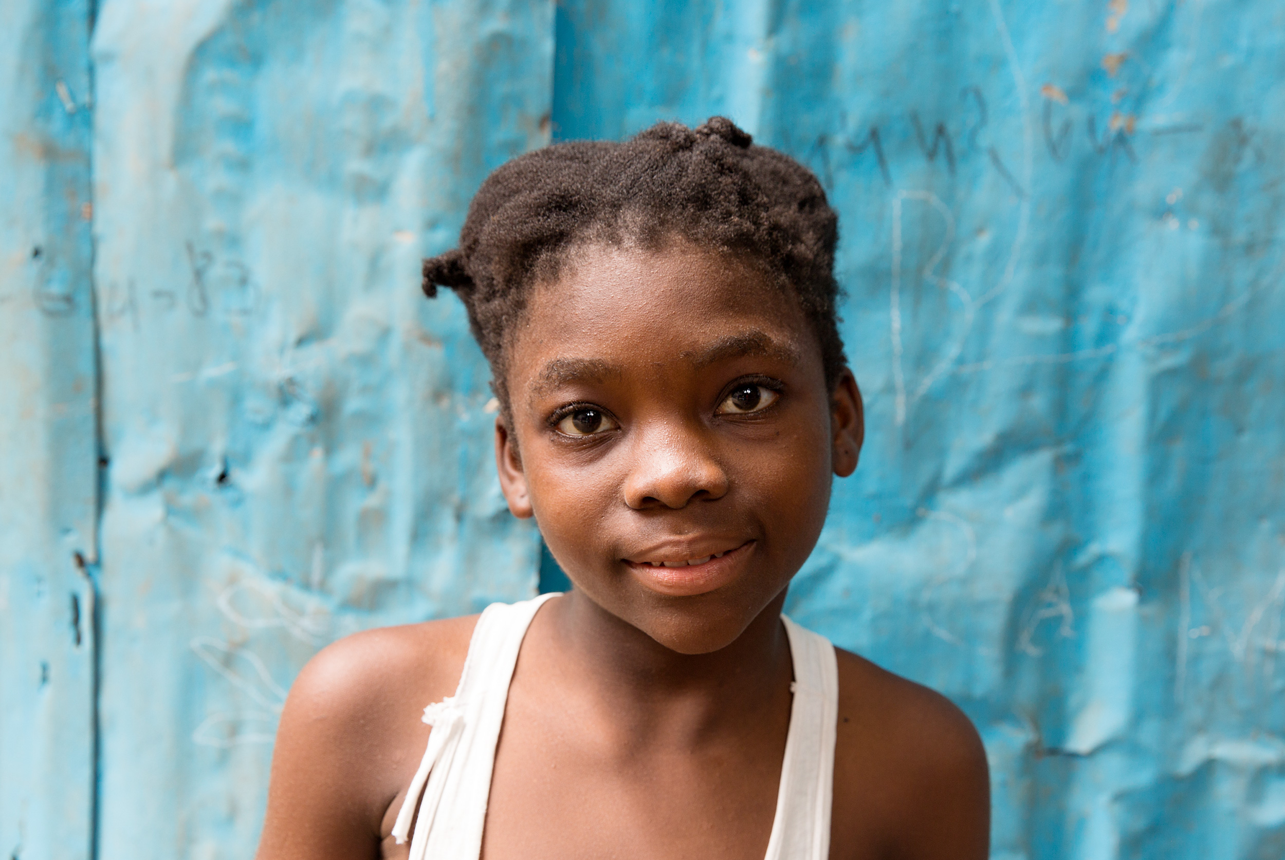 TRAVEL_HAITI_portrait_photographer_ngo_girl_haitiangirl_0622_WB